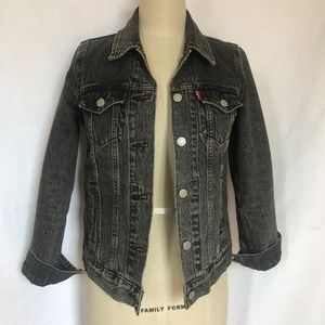 Levi's black XS Jean jacket EUC